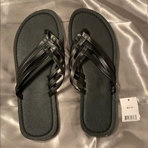 Shoes - Woman's black off brand size 11 NWT sandals